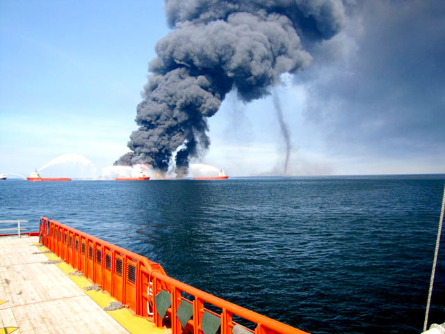 gulf-of-mexico-oil-rig-fire1