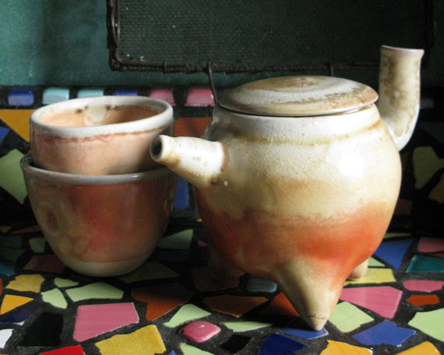 tonky-tea-pot-and-cups-pottery-wood-fired